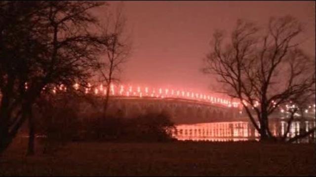Belle Isle Bridge at night