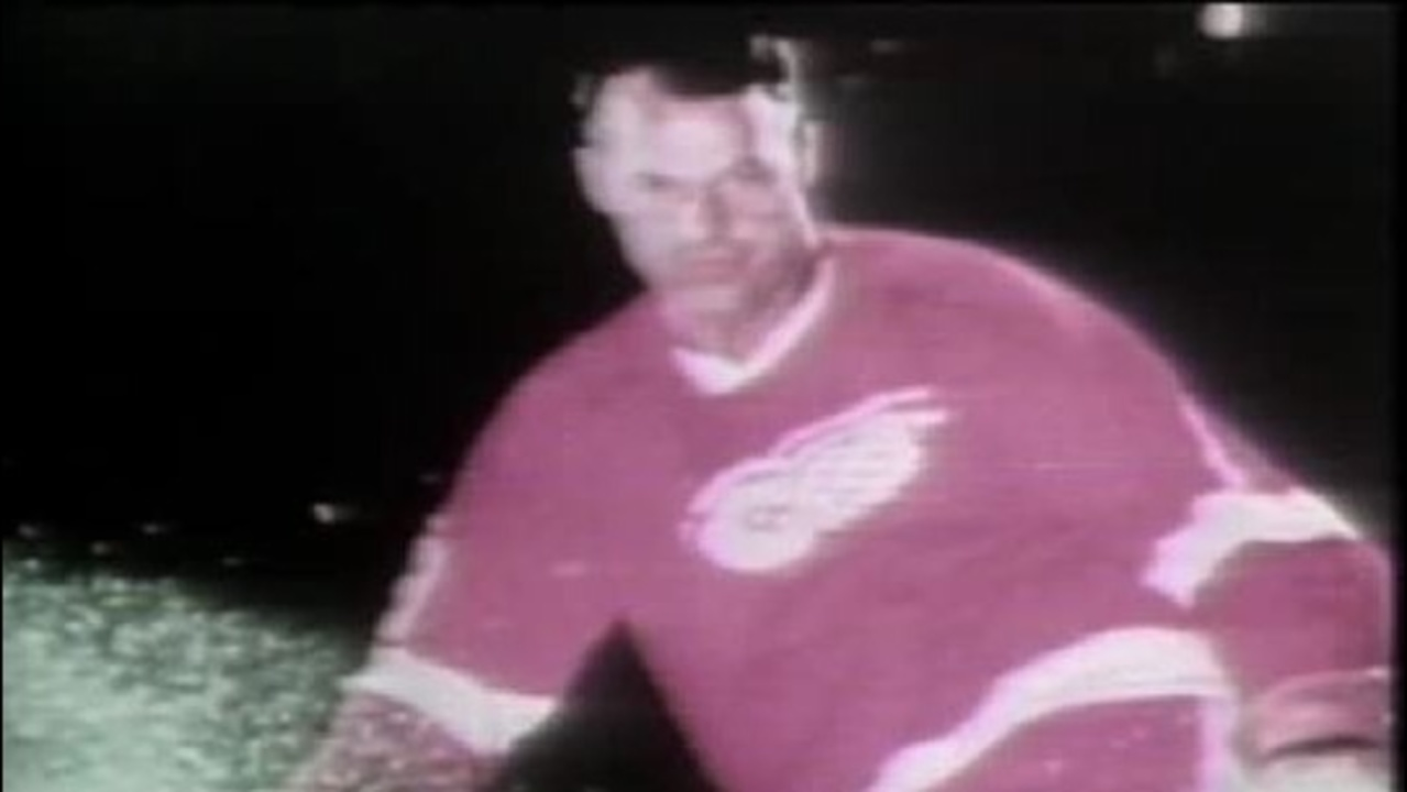 Gordie Howe in Red Wings jersey jpg 840941 ver10 1280 720