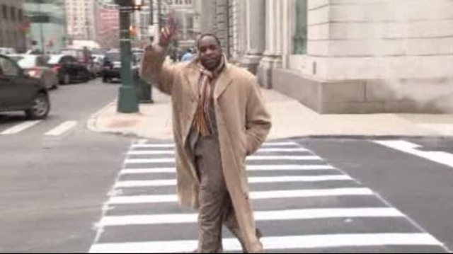 Kwame Kilpatrick peace to camera Nov 30 2012 Detroit