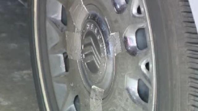 Tape-on-Ingrid-Abbouds-tires-jpg.jpg_26055918