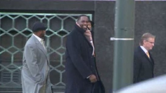 Kwame Kilpatrick outside Detroit cout 1252012_17667856