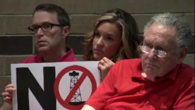 No frack sign