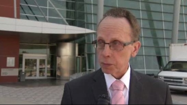 Warren Mayor Jim Fouts fights mosquitoes