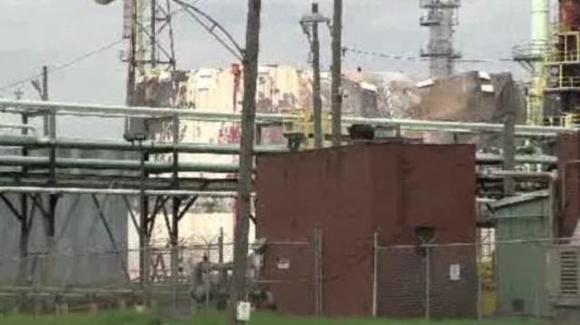 Marathon Refinery tank fire Detroit