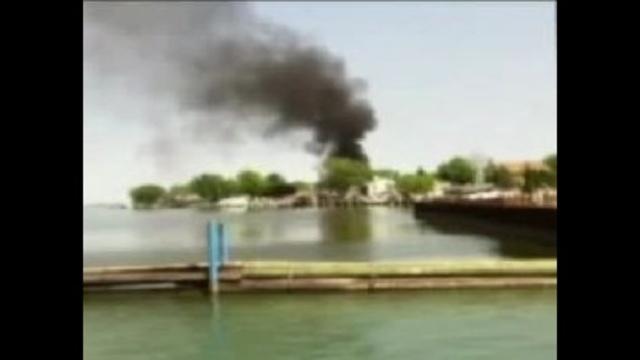 Boat-fire-image-2.jpg_20211322