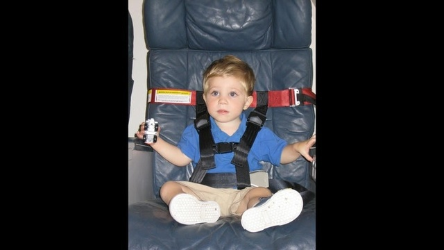 Children-airplane.jpg_13782232