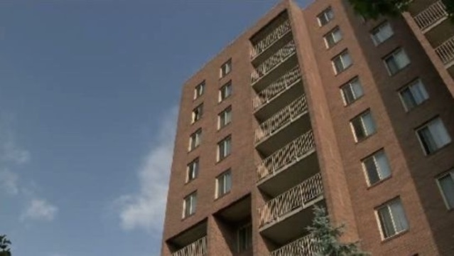 Detroit boy jumps from apartment building to death 2