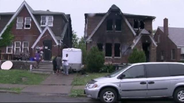 Elderly woman dies in Detroit house fire 1