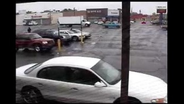 Wanted vehicle in Detroit Family Dollar robbery