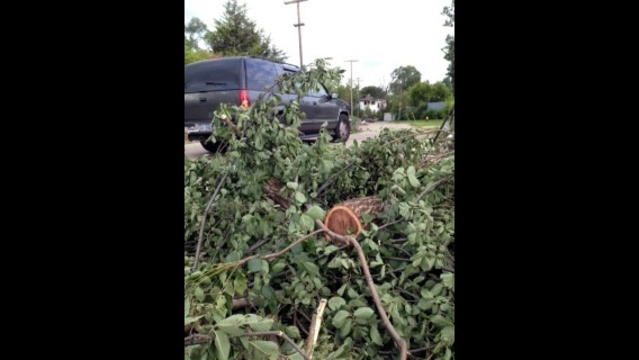 Illegal dumping in Detroit scene1