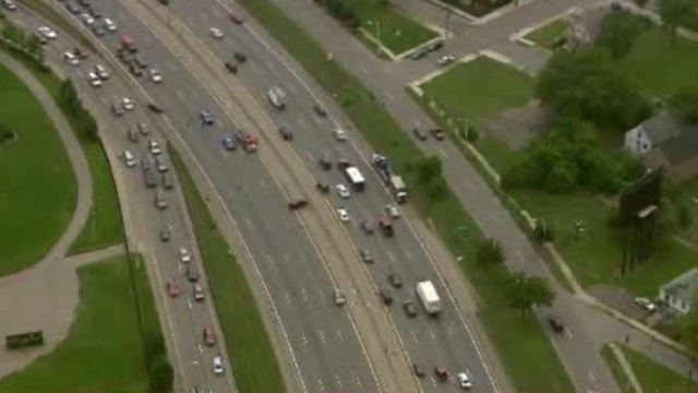 Interstate 75 crash Detroit 5