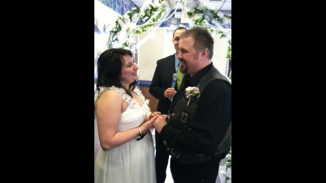 Mary Arndt and Jay Sunde wed at White Castle on Sunday
