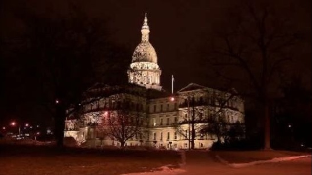 Michigan State Capitol Building at night