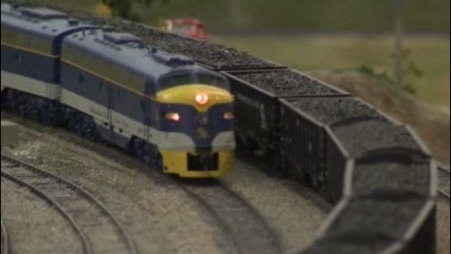 Model trains Commerce Township