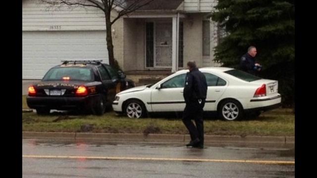 Oakland Co serial robber scene cars