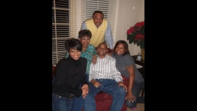 Rhonda-Walker-and-her-entire-family.jpg_14804150