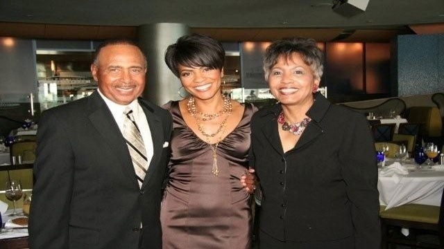 Rhonda-Walker-with-her-mom-and-dad.jpg_14804144