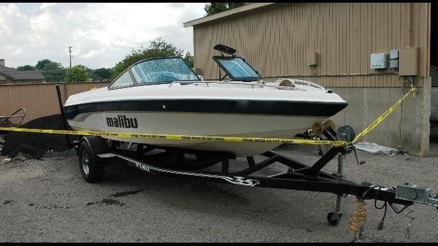 Sylvan-lake-boat-accident-boat-image.jpg_21004710