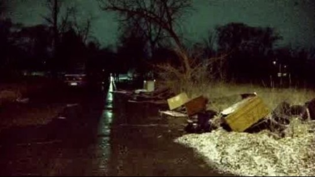 Woman's body found Louisiana Street Detroit 1