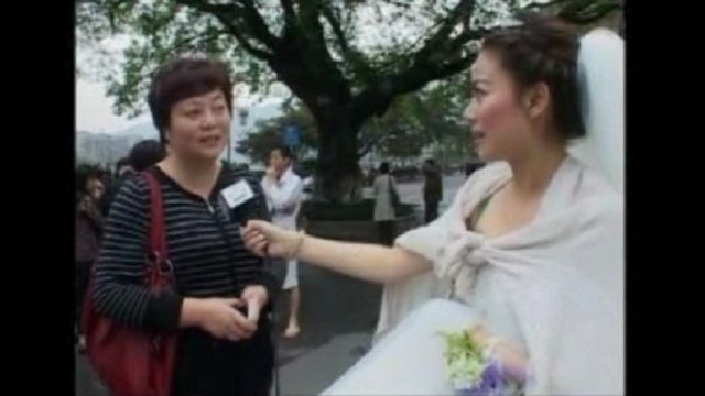 wedding dress reporter1