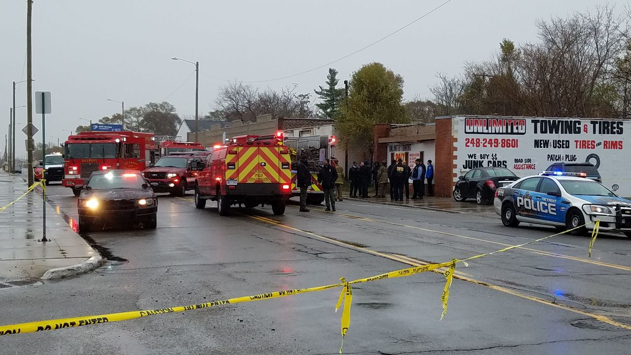 4 bodies found in building on Detroit's west side