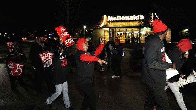 Flint protest 2_1480438852357.jpg
