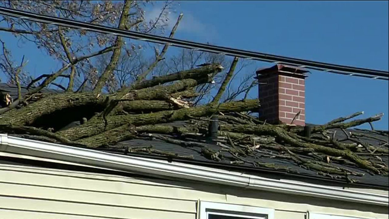 Gov. Snyder activates state's emergency operations center to monitor wind storm damage