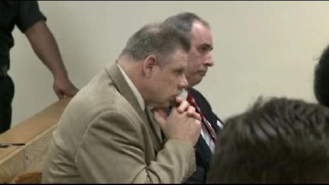 Joe Gentz in court sitting down_14773786