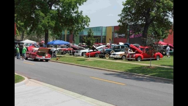 Sloan Museum Auto Fair_20677716