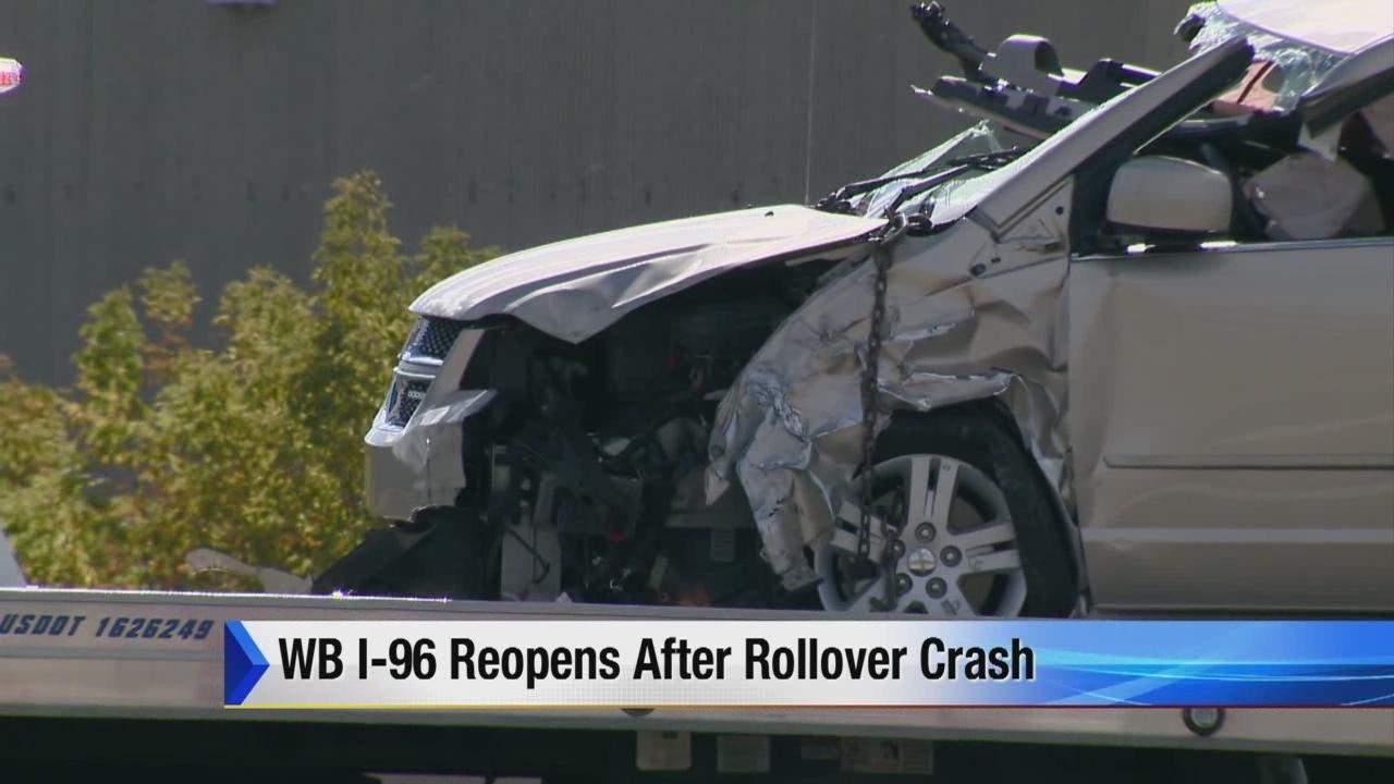 Rollover crash closes WB I-96 in Novi