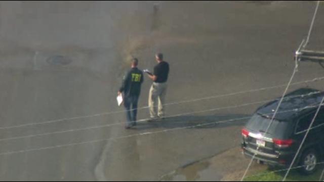 Police FBI stop cars in Armada 1_27252850