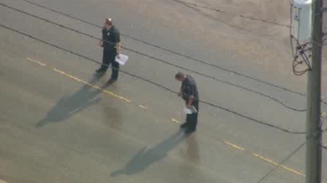 Police FBI stop cars in Armada 2_27252852