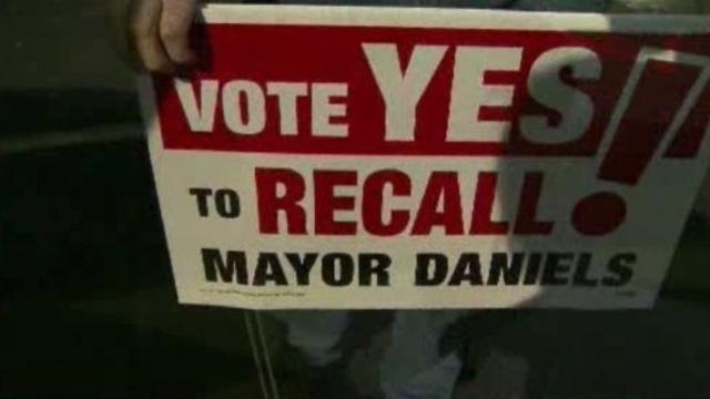 Recall Janice Daniels sign