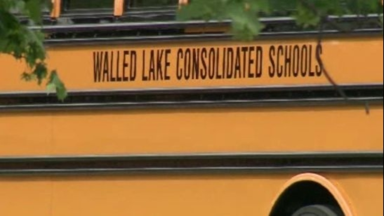 Walled Lake schools tack on makeup day after bus driver sickout