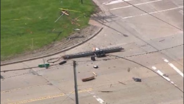 mound road crash 1_25897074