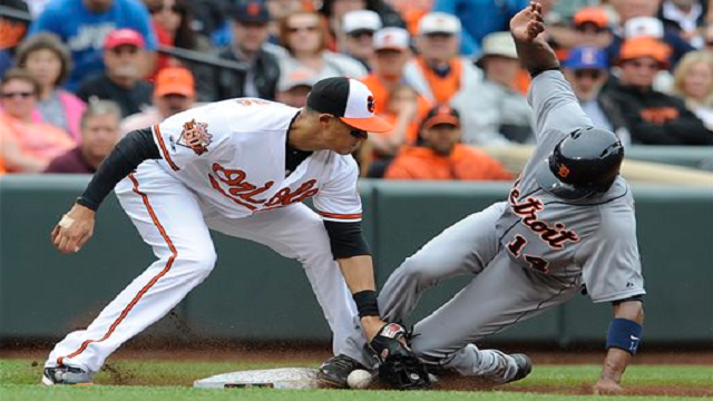 Austin Jackson steals third base agianst the Orioles on May 14