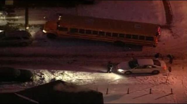 Bus accident Evergreen & Warren1