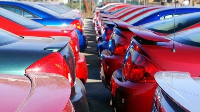 Cars at dealership_198944