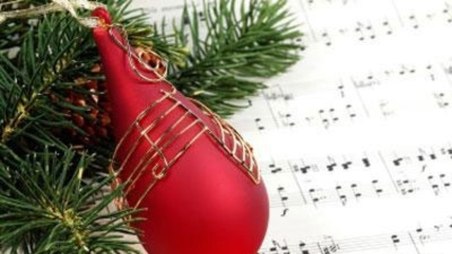 Christmas ornament with sheet music