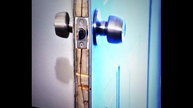 Door in Detroit break in_25069922