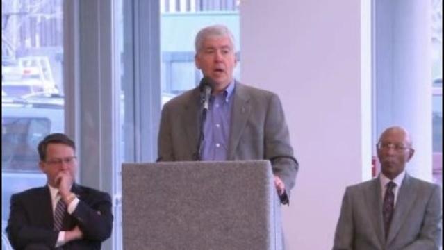 Governor-Snyder-at-M1-press-conference.jpg_18184680