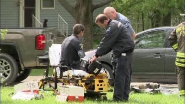 Injured officer at Shady Lane scene_26035934