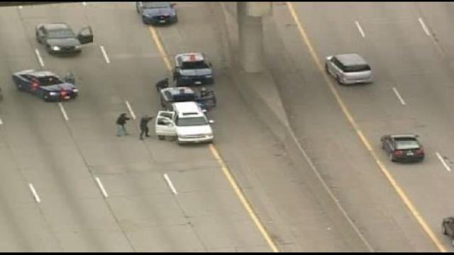 SUV police chase scene1_25300150