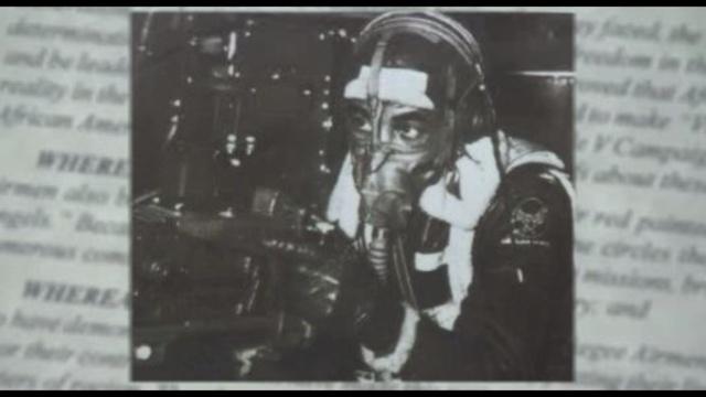 Tuskegee-Airman-robbed.jpg_19171066