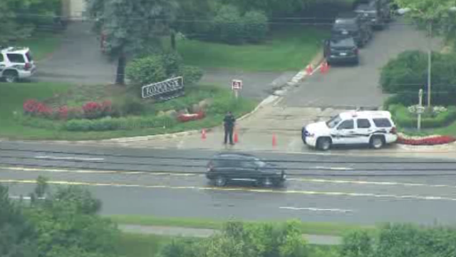 West Bloomfield possible hostage_26845124