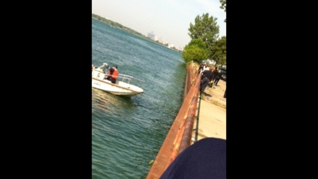 bodies Detroit canal4