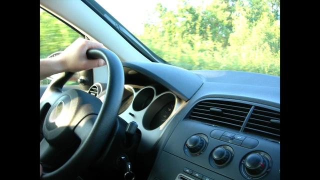 Driving a car_9531306