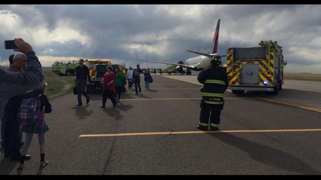 plane Denver 3