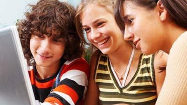 teens_computer_71376