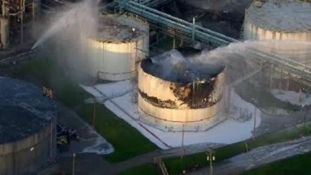 Aerial picture of Marathon refinery fire